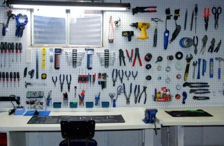 Painel de ferramentas imantado