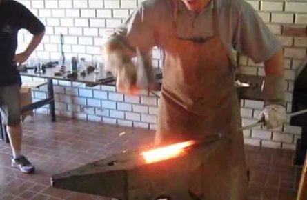 Faca artesanal usando cabo de aço