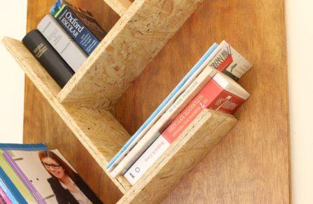Estande de parede para livros